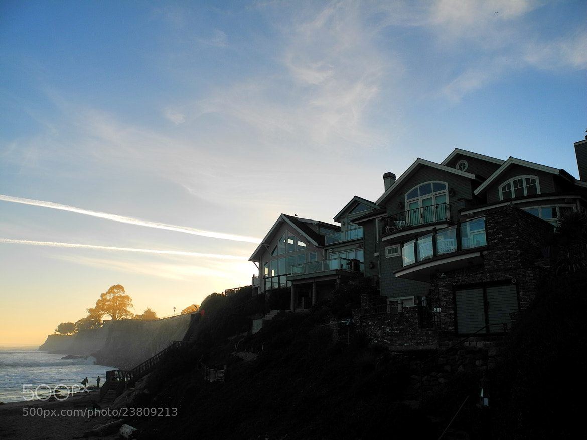 Photograph Pacific Coast Houses by Thiemo R on 500px