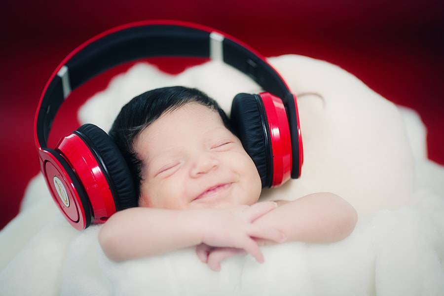 Music On! by Daniel Stoychev on 500px.com
