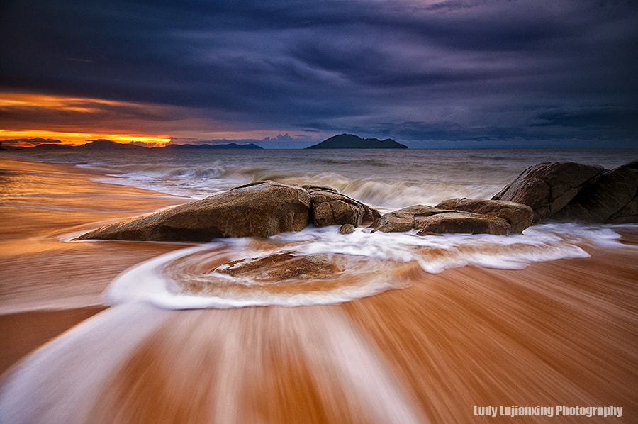 "Photograph ""Wave Painting"" by ludy lujianxing on 500px"