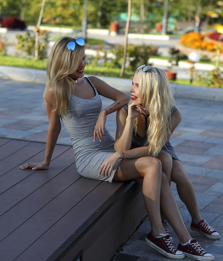 Two sisters. Straight talk about men, автор — Сергей К на 500px.com