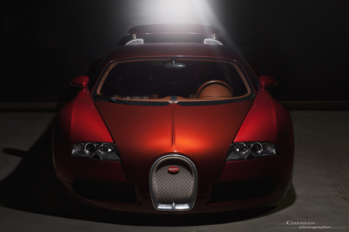 Photograph Rabid record .Bugatti Veyron 16.4 Special Edition .by Chensan by  Chensan on 500px