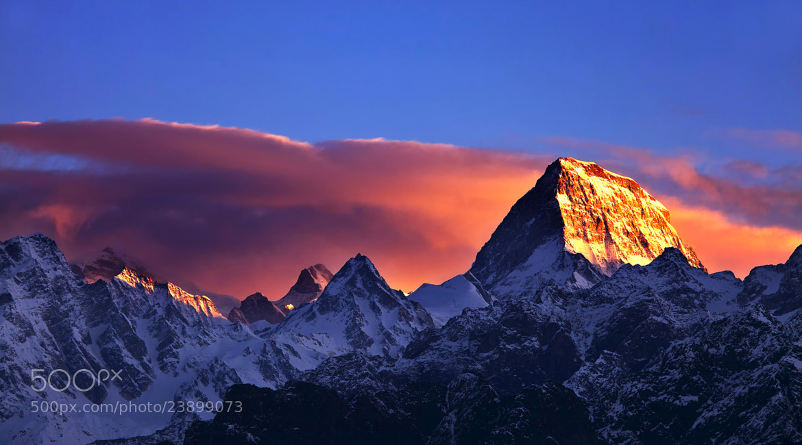 Photograph First Ray of Light (Nilgiri Parbat) by Jassi Oberai on 500px