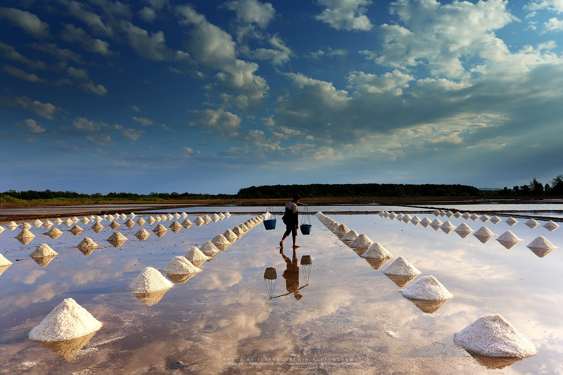 Photograph Worker in salt farm of eastern, Thailand by isarescheewin auttaworawut on 500px