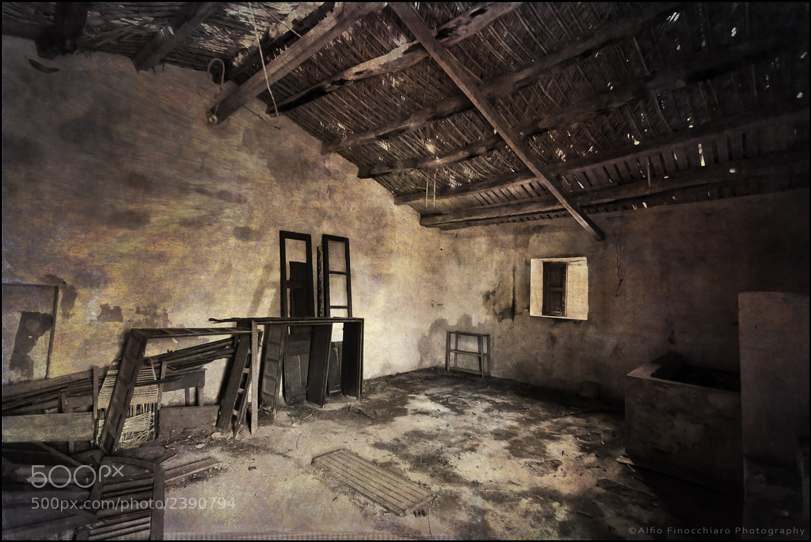 Photograph Abandoned warehouse by Alfio Finocchiaro on 500px