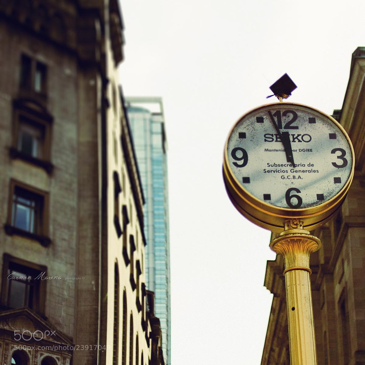 Photograph Clock by Carmen Moreno on 500px