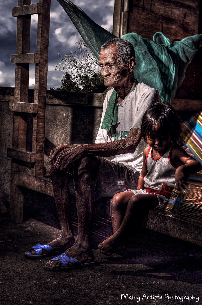 Photograph Grand papa and grand daughter by Maloy Ardieta on 500px