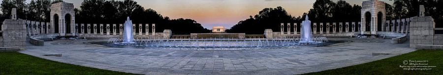 WWII and Lincoln Monuments at dawn