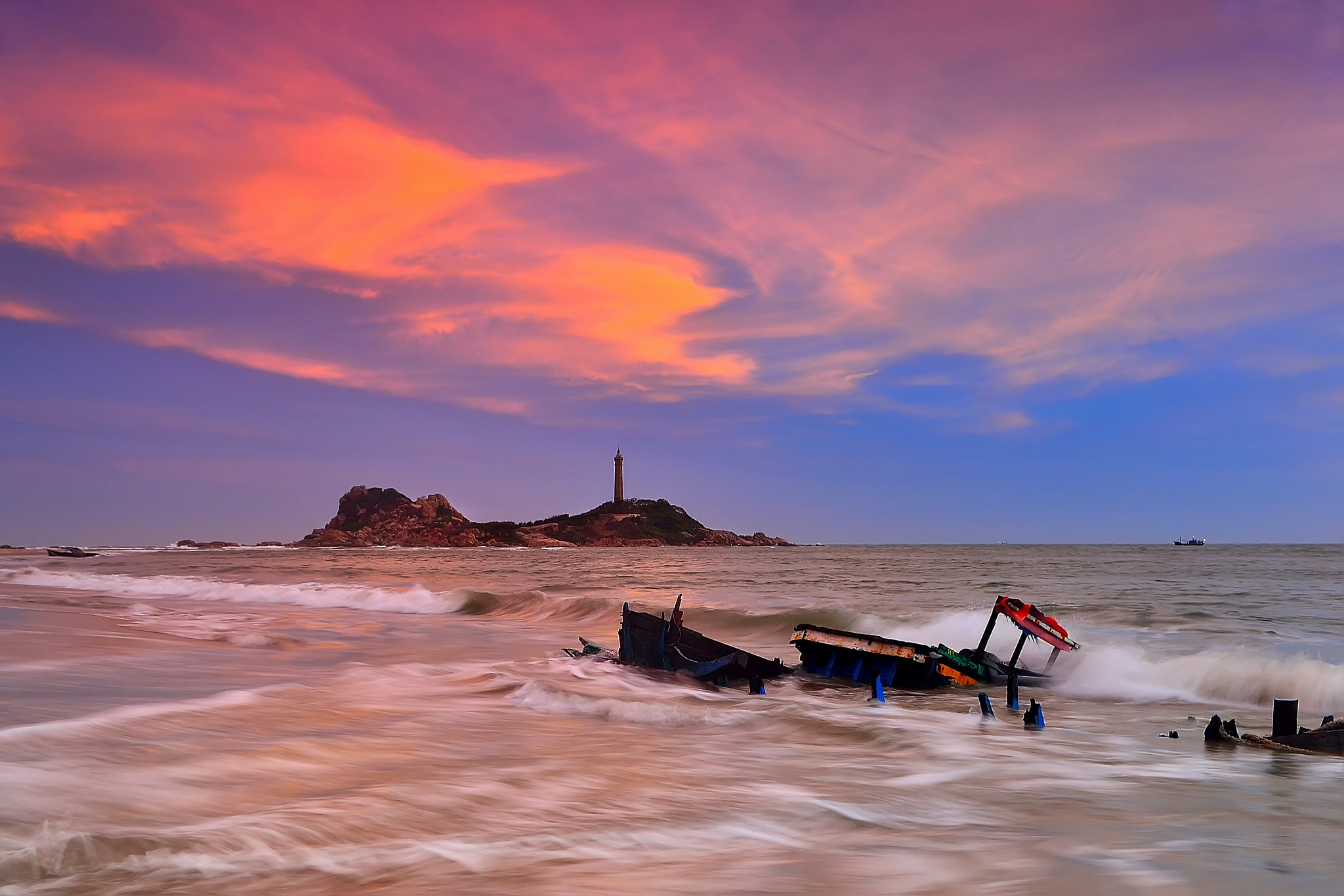 Photograph Lighthouse in sunset by Duc Vien on 500px