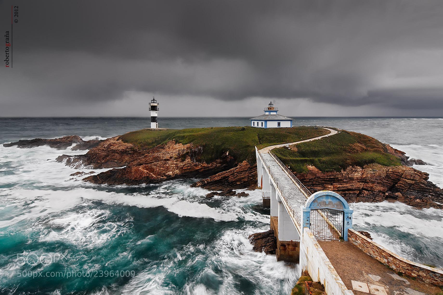 Photograph La Isla de los dos Faros by Roberto Graña on 500px