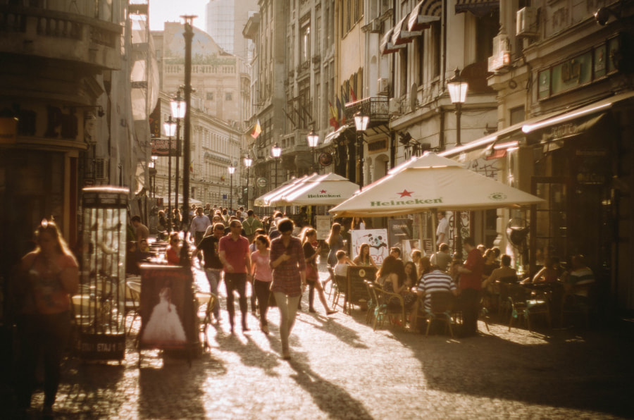 Bucharest-Street-People