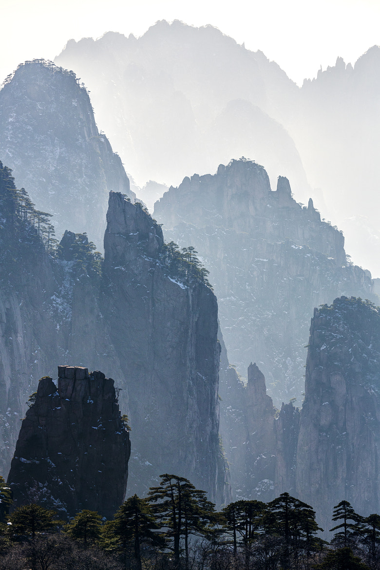 Photograph Huangshan Mountainscape by Chaluntorn Preeyasombat on 500px