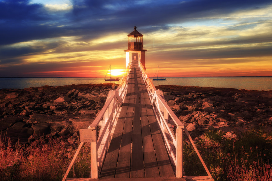 Lighthouse at Sunset, автор — Joe Matzerath на 500px.com