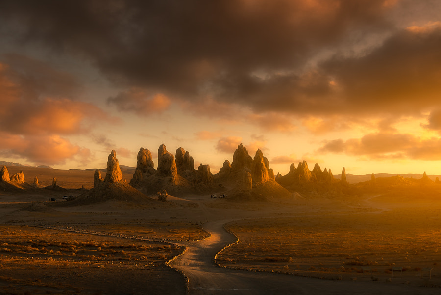 The Trona Pinnacles California, автор — Rudy Serrano на 500px.com