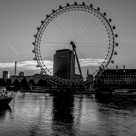 The London Eye B+W by julian john (sandtasticdays)) on 500px.com