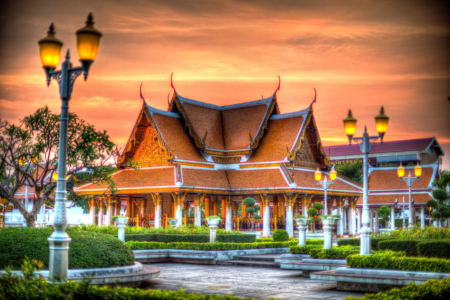 Photograph Temple near Grand Palace by Zeno Bresson on 500px