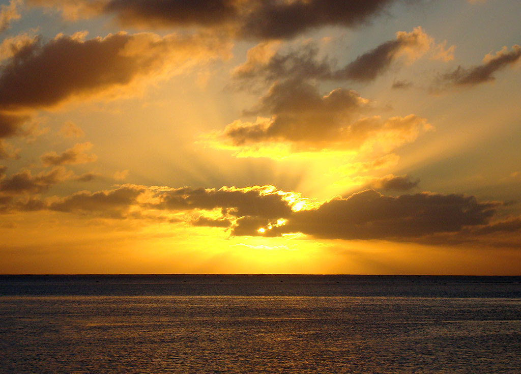 Photograph Cook Island Sunset by Simon Griffiths on 500px