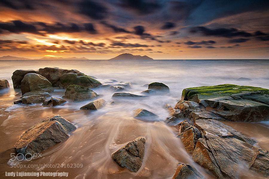 "Photograph ""Kura kura Beach"" by ludy lujianxing on 500px"