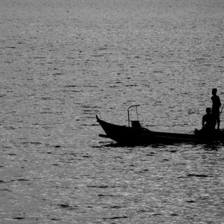 Fishermen's silhouette, Nikon D50, AF Zoom-Nikkor 70-300mm f/4-5.6D ED