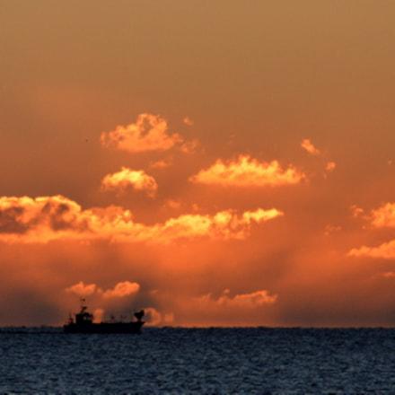 Ship, Nikon D3200, AF Zoom-Nikkor 80-200mm f/4.5-5.6D