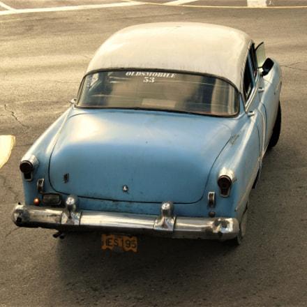 Oldsmobile in Cuba, Nikon COOLPIX P4