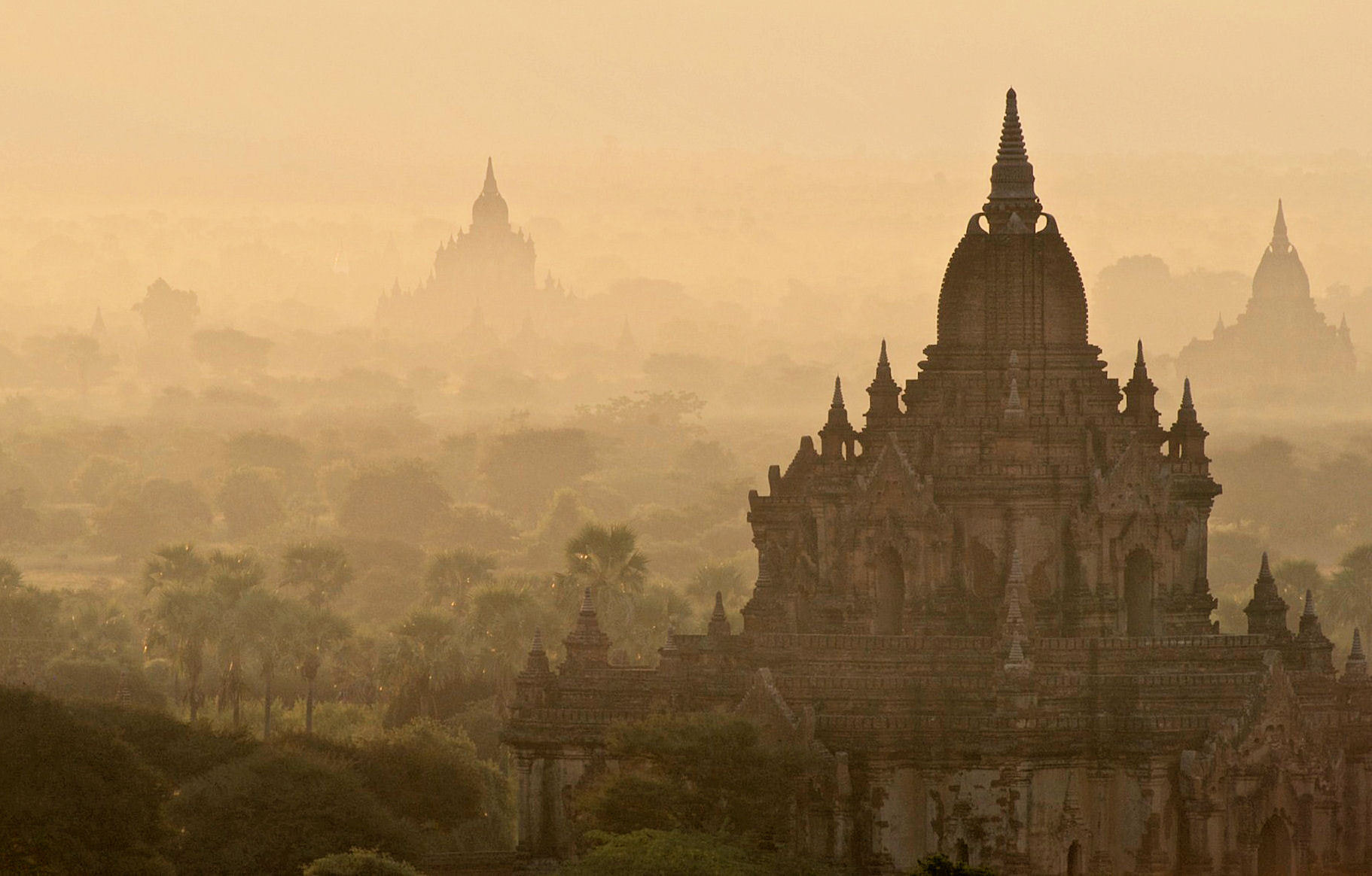 Photograph Sunrise in Bagan by Yvonne  on 500px