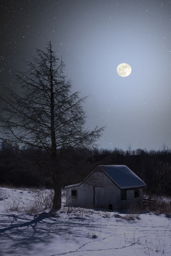 Photograph Full Moon Shed by Larry Landolfi on 500px