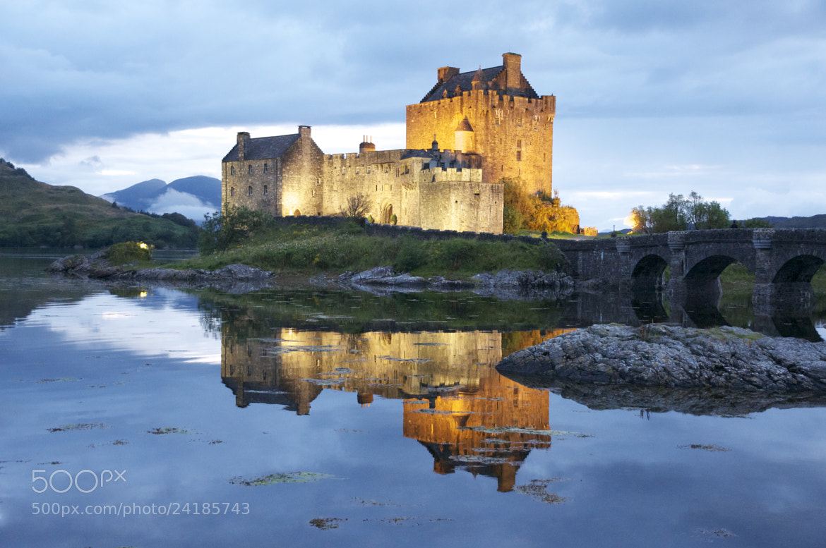 Photograph Eilean Donan Castle by Lorenzo Conigliaro on 500px