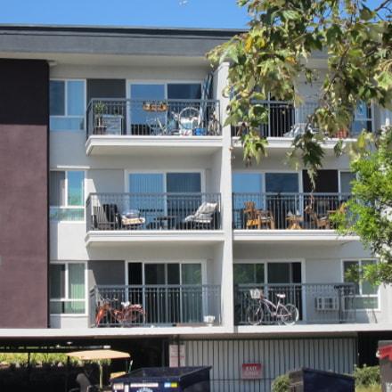 An apartment complex, Canon POWERSHOT ELPH 500 HS