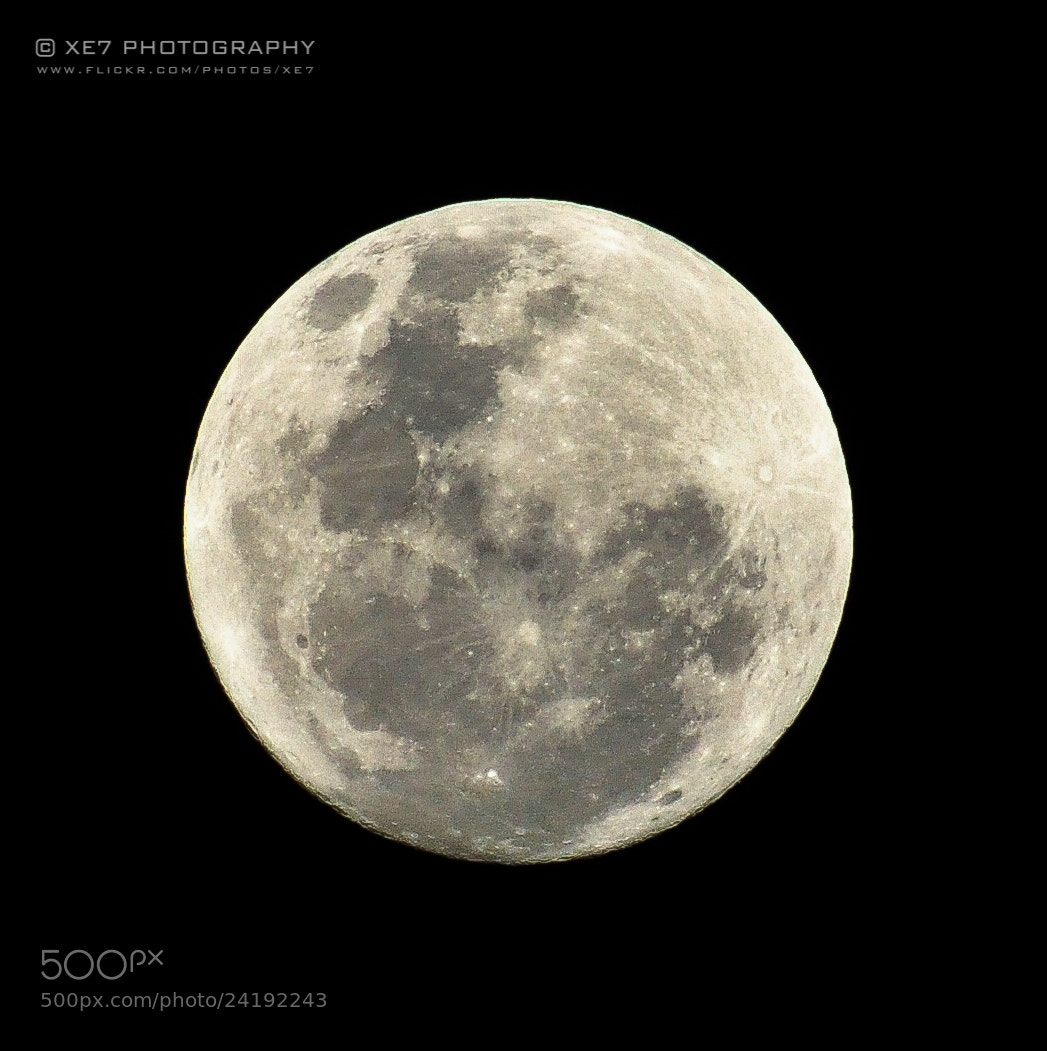 Photograph Moon by Xet Ng on 500px
