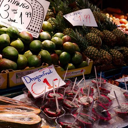 fruits shop amsterdam, Fujifilm X-Pro2, XF23mmF1.4 R