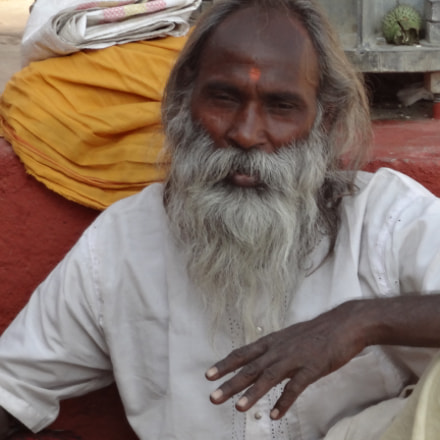 Sadhoo at Varanasi., Sony DSC-WX50