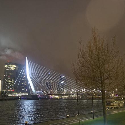 Erasmus Bridge at Night, Nikon D500, AF Nikkor 24mm f/2.8D