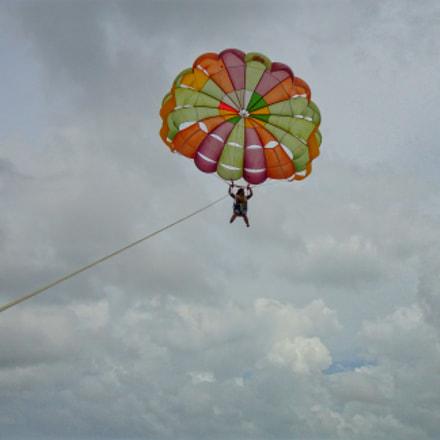 parasailing- water sports, Sony DSC-W570