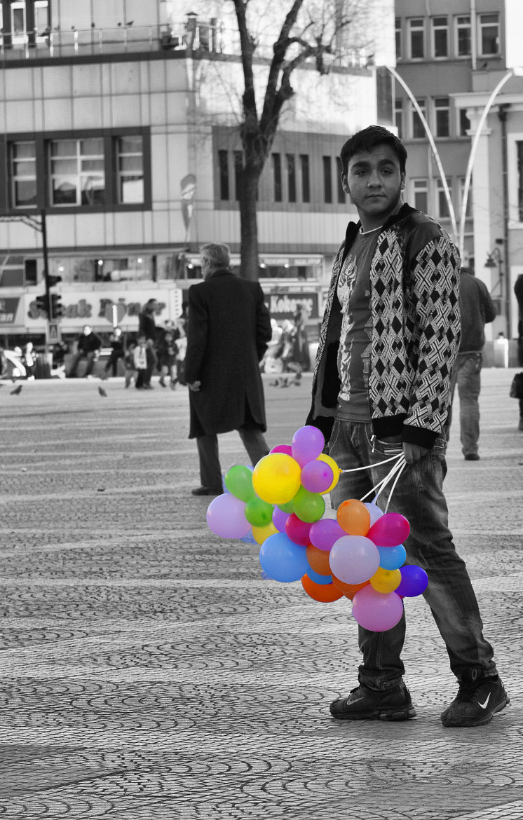 Photograph life in the street by erman karabaş on 500px