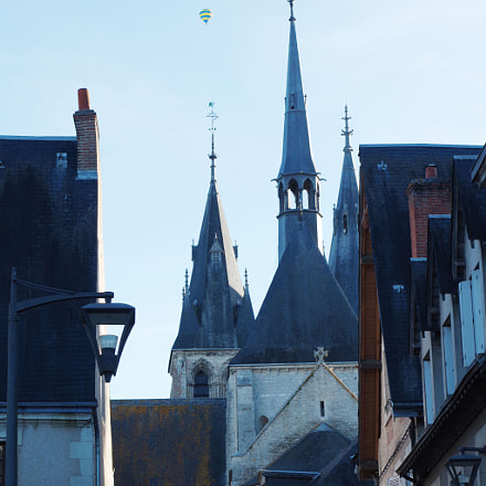 balloon in the sky over Blois