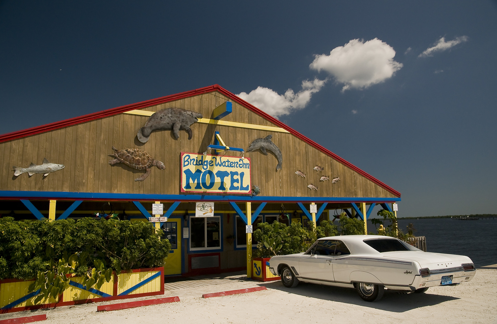Photograph Bridgewater Motel Matlacha, Florida by Bert Kohlgraf on 500px