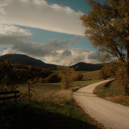 marche landscape, Nikon D2H, AF-S DX Zoom-Nikkor 18-135mm f/3.5-5.6G IF-ED