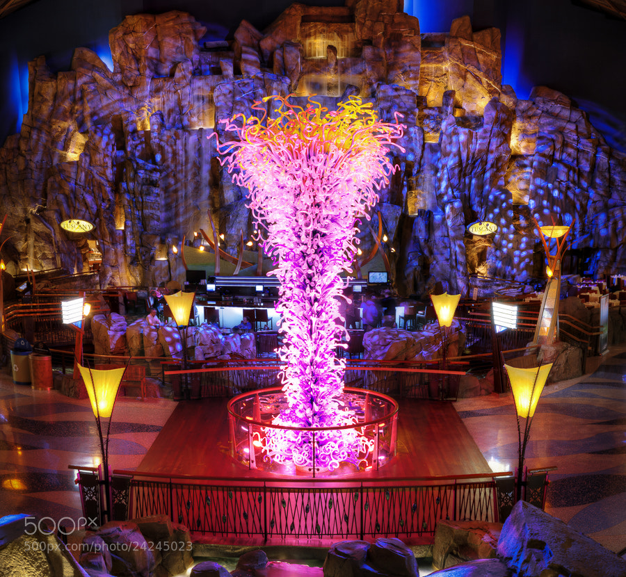 Photograph Chihuly Sculpture at the Mohegan Sun, Uncasville, Connecticut by Stanton Champion on 500px