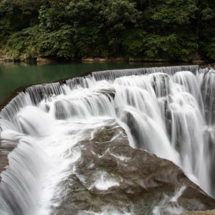 Shifen Waterfall, Sony SLT-A55V, Sony DT 16-105mm F3.5-5.6 (SAL16105)