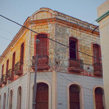 Cuban Building, Fujifilm FinePix S8200