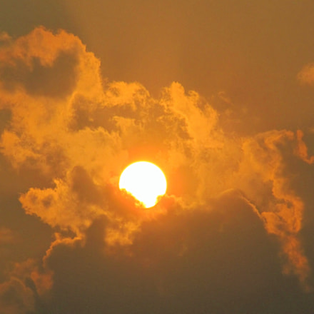 Cloud n Sun...captured by, Canon POWERSHOT SX150 IS