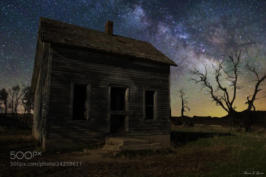 Milky Way & Decay by Aaron J. Groen (AaronGroen)) on 500px.com