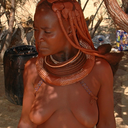 Himba woman, Nikon D70, Sigma 18-200mm F3.5-6.3 DC
