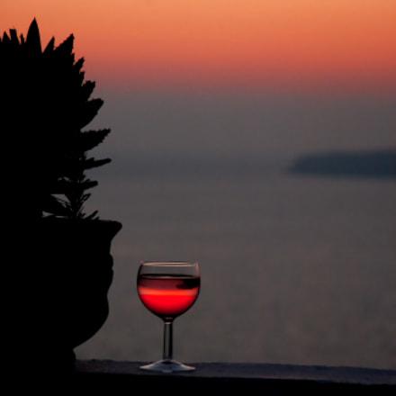 Drinking wine at sundown, Nikon D80, AF-S DX Zoom-Nikkor 18-135mm f/3.5-5.6G IF-ED