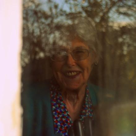 Granny smiles !, Nikon D80, AF Zoom-Nikkor 28-80mm f/3.5-5.6D