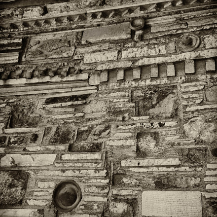 wall, Sony DSC-S90