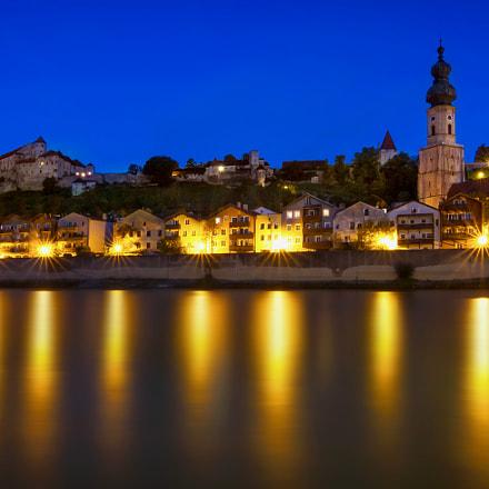 Burg zu Burghausen zur blauen Stunde
