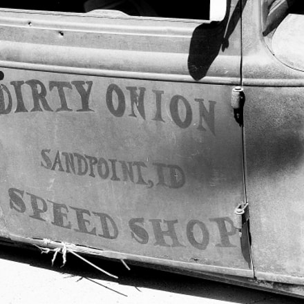 dirty onion B&W, Canon EOS DIGITAL REBEL XSI, Tamron 18-250mm f/3.5-6.3 Di II LD Aspherical [IF] Macro