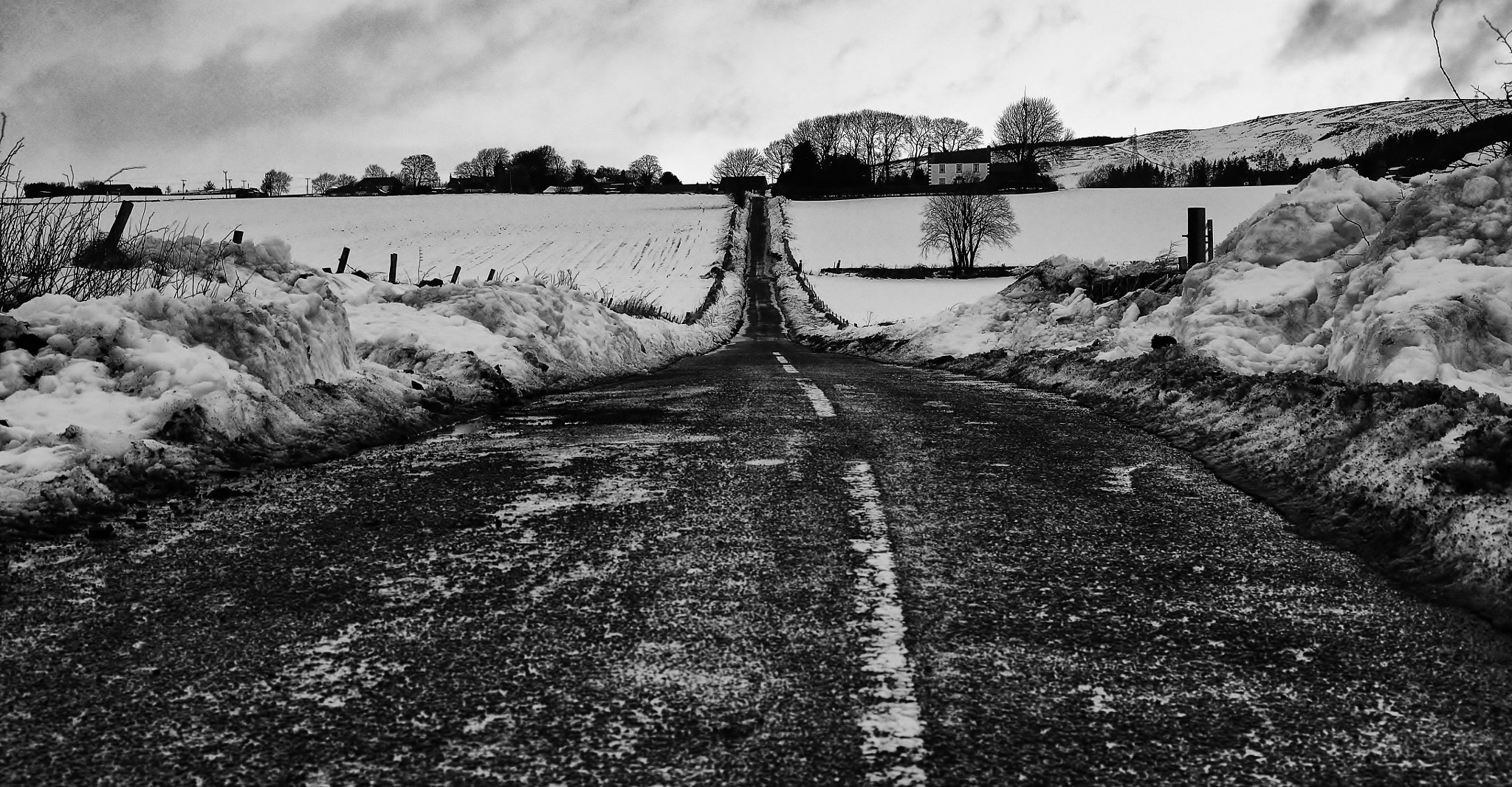 Photograph the road to auchterhouse  by ian mcintosh on 500px
