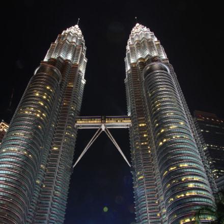 Petronas twin tower, Canon EOS KISS X7I, Tamron 16-300mm f/3.5-6.3 Di II VC PZD Macro